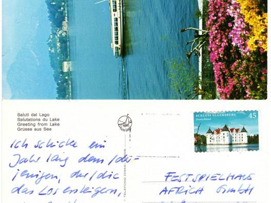 Ein Jahr lang schickt Olaf Nicolai dem Bieter eine persönliche Postkarte von Orten, die er bereist.